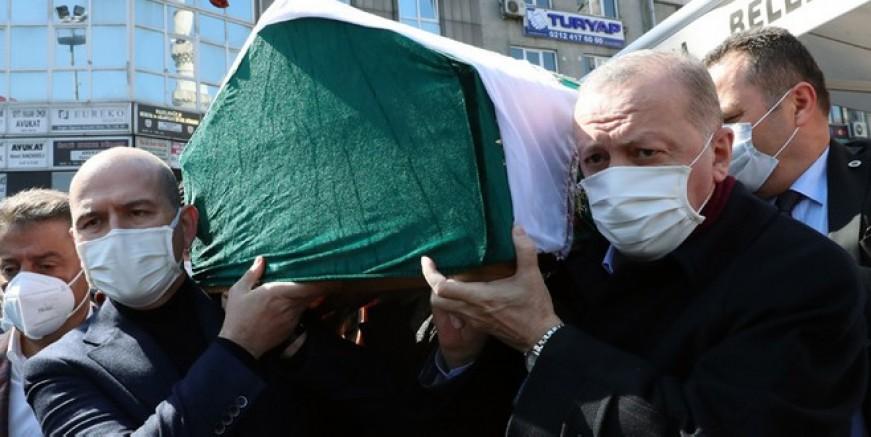 Cumhurbaşkanı , Bakan Soylu'nun annesinin cenaze törenine katıldı